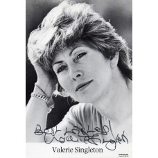 Valerie Singleton Autograph - Blue Peter - Signed 6x4 Photo 1 - Handsigned - AFTAL