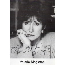 Valerie Singleton Autograph - Blue Peter - Signed 6x4 Photo 2 - Handsigned - AFTAL