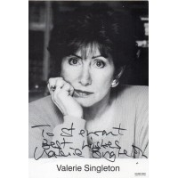 Valerie Singleton Autograph - Blue Peter - Signed 6x4 Photo 3 - Handsigned - AFTAL
